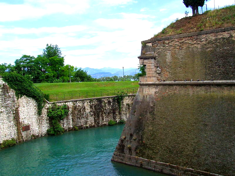 VISIT PESCHIERA (FROM SIRMIONE)